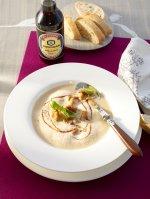 Zupa krem z ziemniaków, grzybów i sosem sojowym Kikkoman